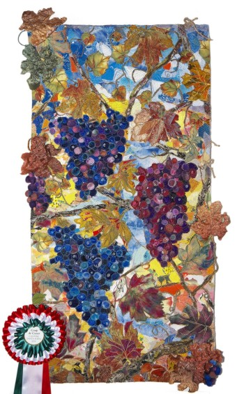 Liudmyla Kryvenko – Sun in a bunch of grapes