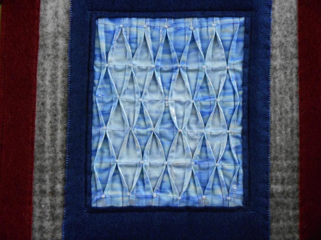jana-lalova-textile-manipulating-detail-01